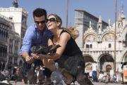 Ein Paar im Ausland